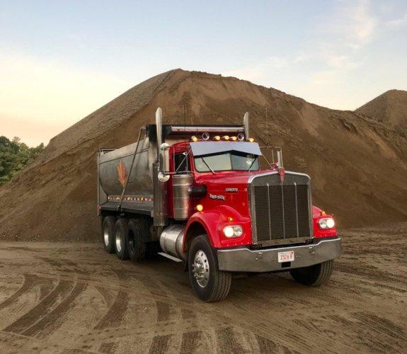Trucking & Hauling - Western Earthworks
