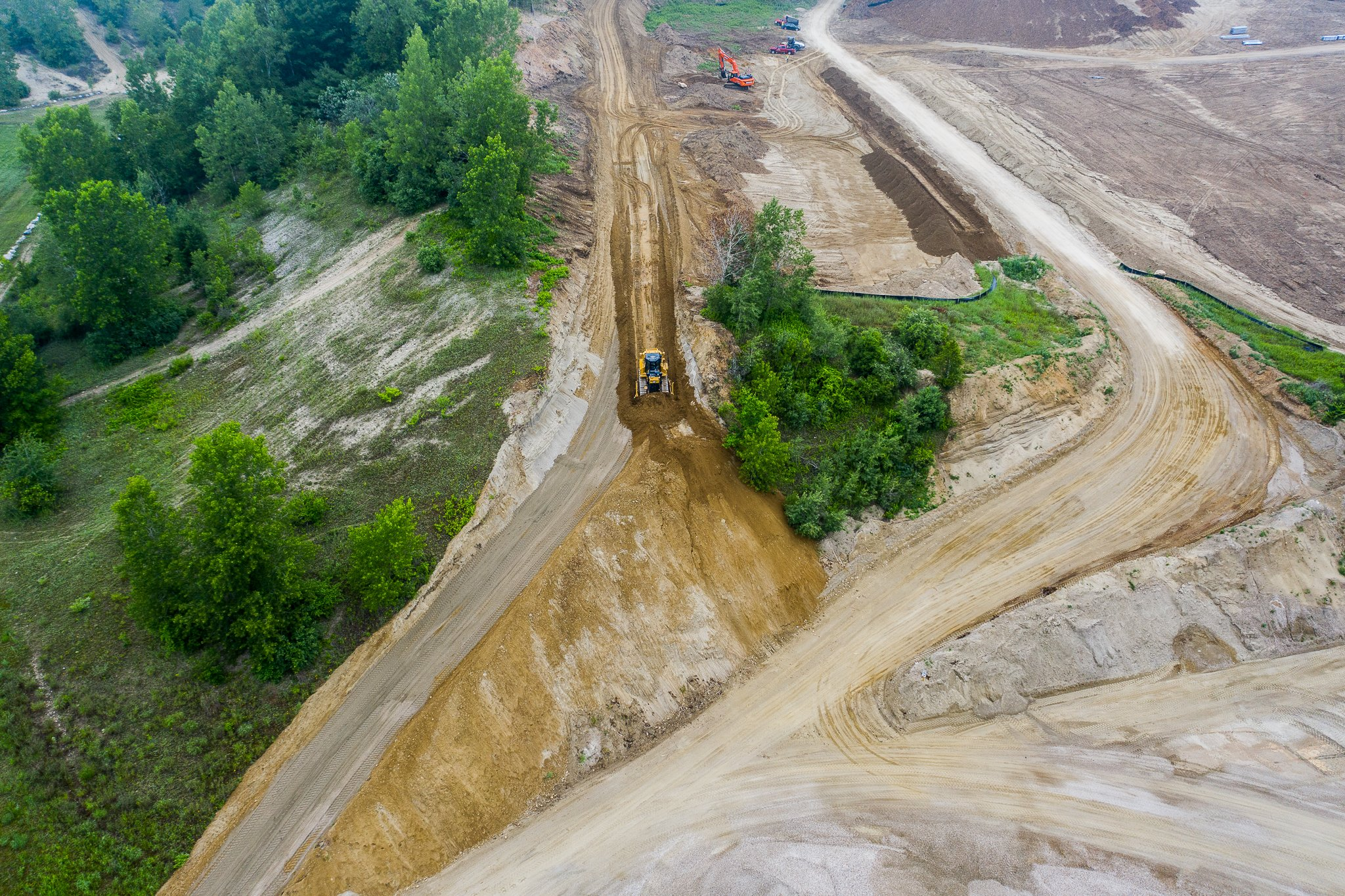Western Earthworks, heavy civil construction, site work, landscaping, site clearing, concrete work, foundation excavation, commercial paving, land clearing, heavy construction, green energy, erosion control, hydroseeding, demolition, timber matting